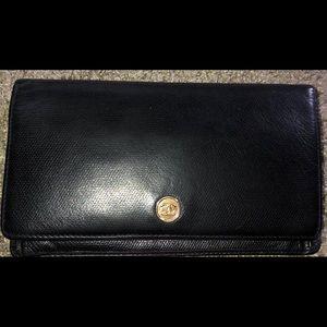 Chanel wallet caviar